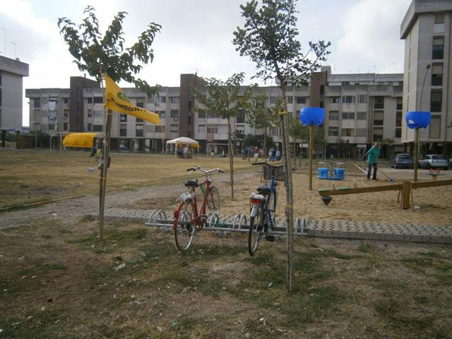 Intervento di rigenerazione urbana di un'area abbandonata al quartiere Salinella di Taranto. Foto fine cantiere. 2013