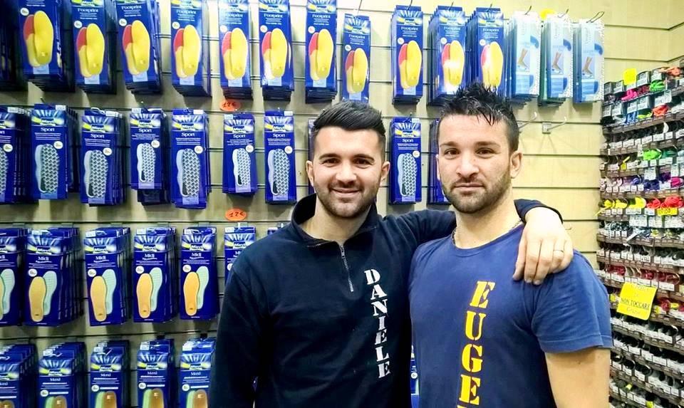 Calzoleria Latagliata: a Taranto due giovani recuperano l'antico mestiere del calzolaio