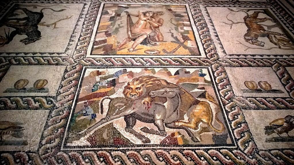 I mosaici di antiche ville patrizie romane di Taranto al museo MArTA