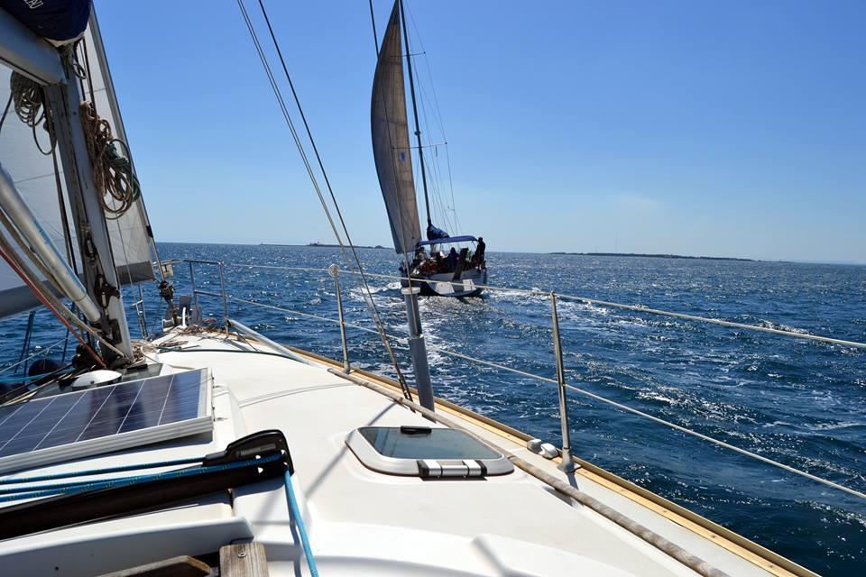 Tutti insieme in barca a vela per promuovere Taranto e provincia