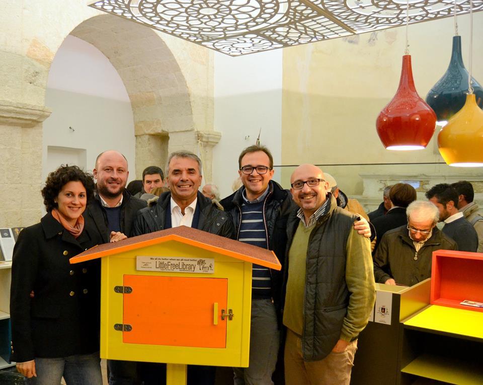 A Crispiano inaugurate altre due mini biblioteche di strada