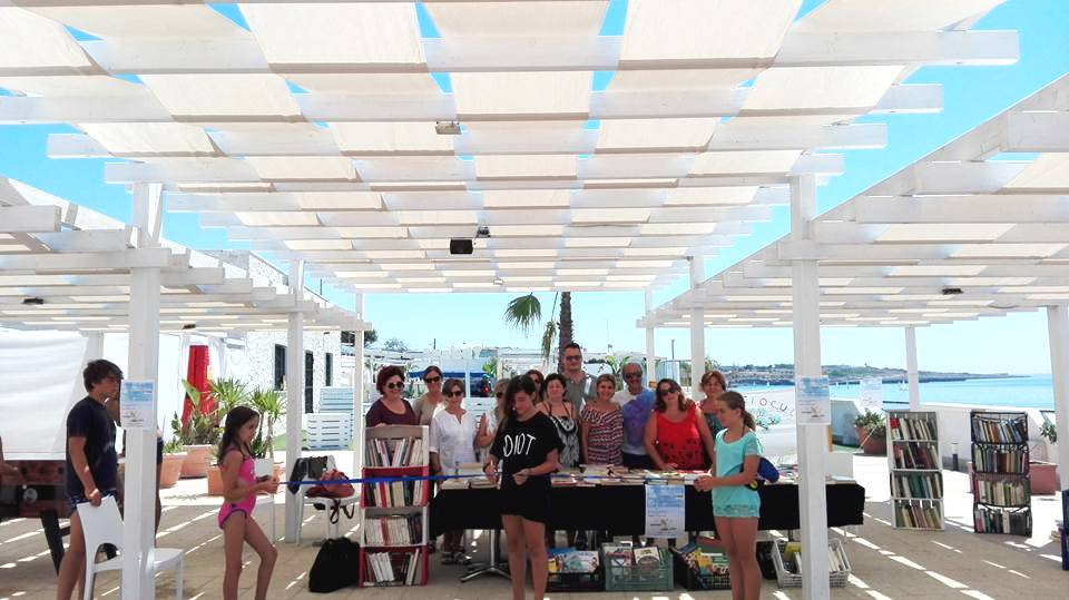 Lido Sun Bay riapre con una libreria in spiaggia e altre novità!