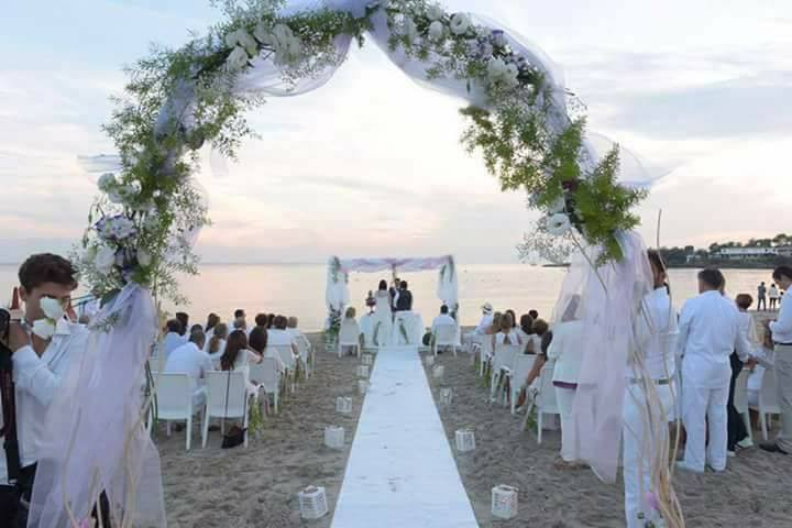 Matrimonio Spiaggia Taranto : Matrimoni in spiaggia made in taranto
