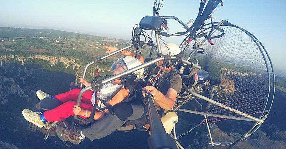 Hai già provato il Volo sulle Gravine a bordo del deltaplano?
