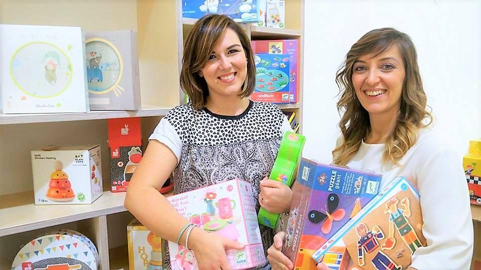 """Zero Plastica, a Taranto il 1° negozio di giocattoli ecologici: """"facciamolo per i nostri figli"""""""