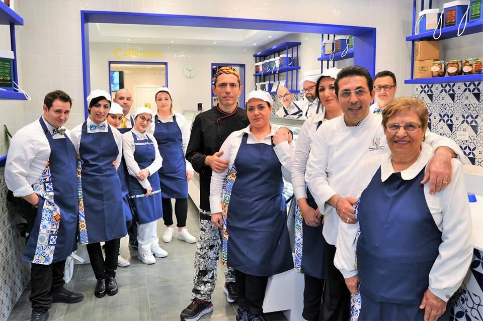Pasticceria Napoletana inaugura nuova sede con caffetteria partenopea a Taranto