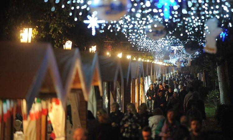 Immagini Del Villaggio Di Babbo Natale.Villaggio Di Babbo Natale Sul Mare A Taranto La V Edizione