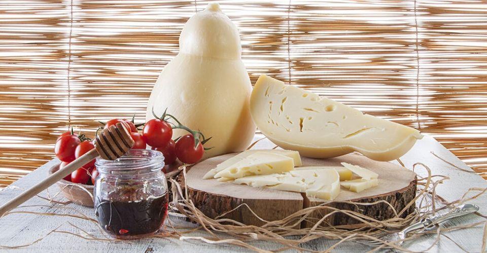 Caciocavallo di Puglia, uno dei più antichi formaggi del Sud Italia