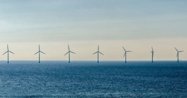 a Taranto il 1° parco eolico marino d'Italia e del Mediterraneo