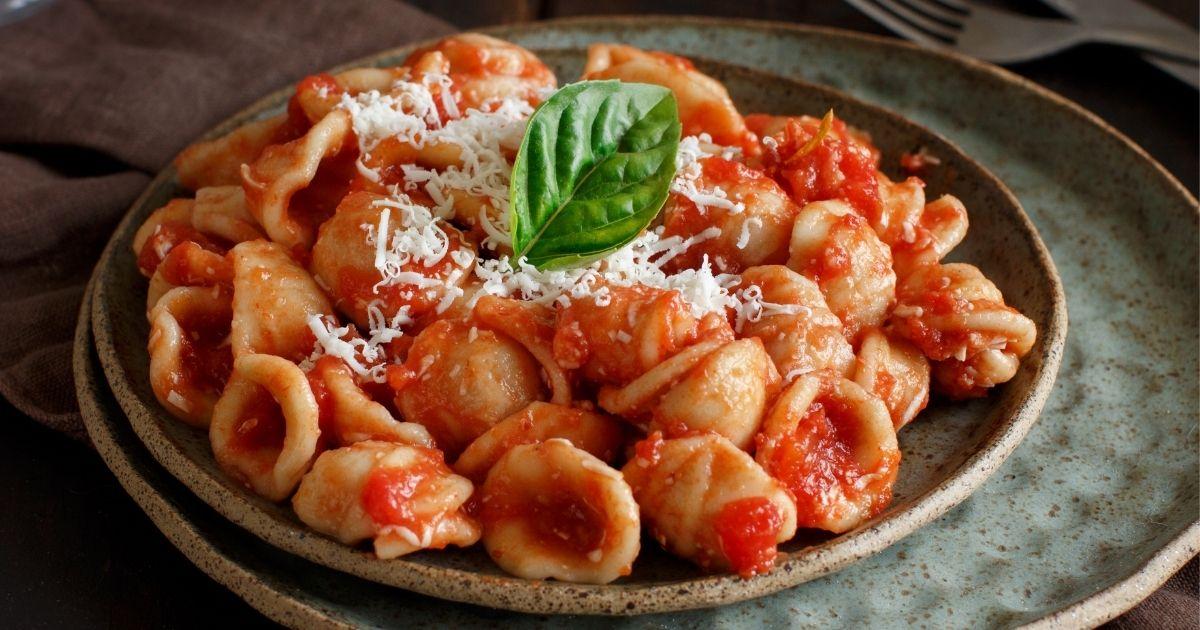 Orecchiette-pomodoro-e-Cacioricotta